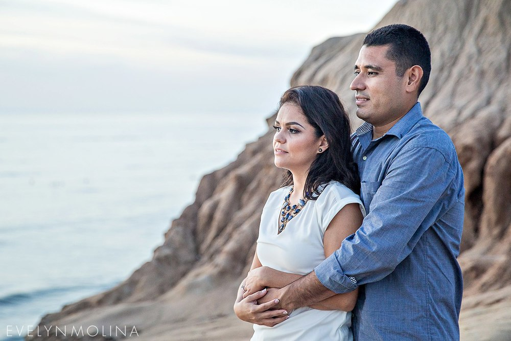 Sunset Cliffs Engagement - Berenice and David_016.jpg