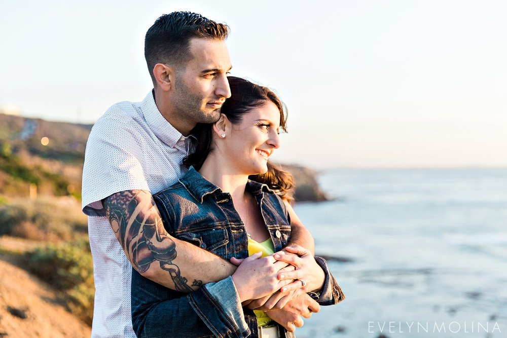 Sunset Cliffs Engagement Session - Carly and Alex - Evelyn Molina Photography_0015.jpg