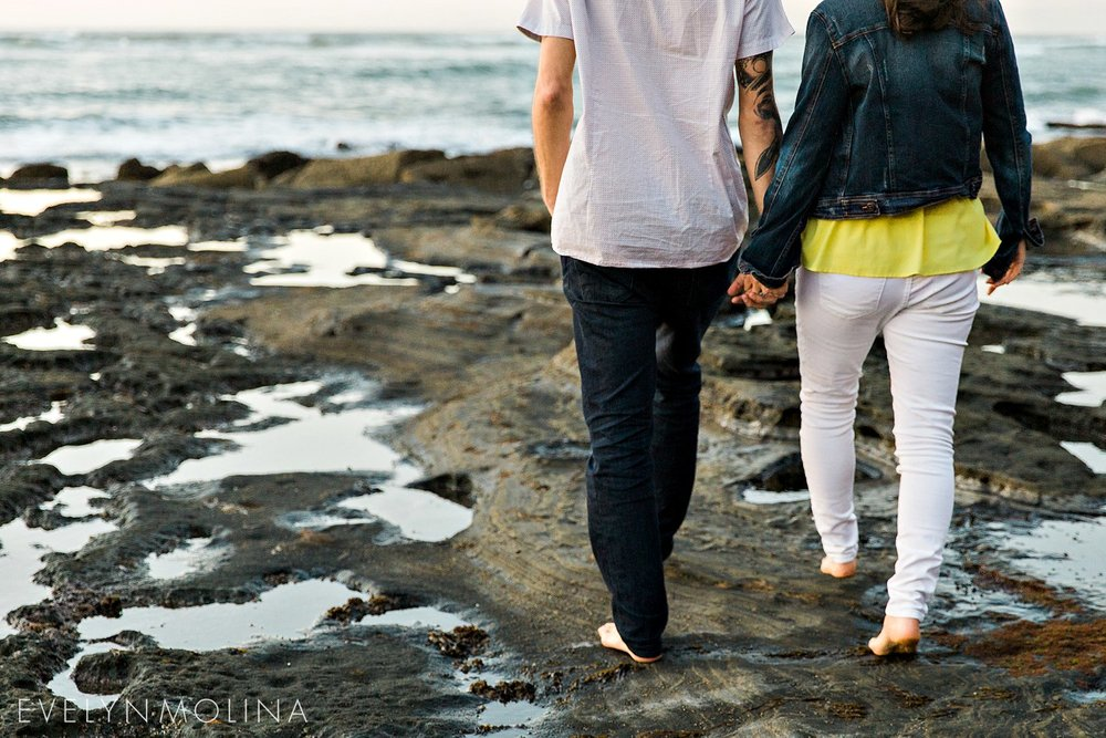 Sunset Cliffs Engagement Session - Carly and Alex - Evelyn Molina Photography_0024.jpg