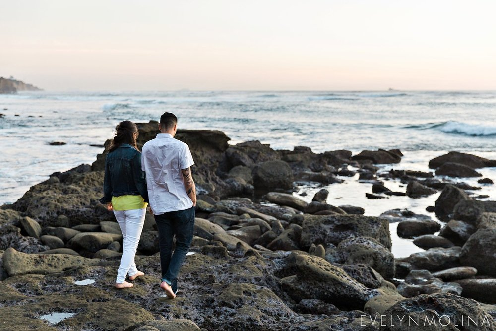 Sunset Cliffs Engagement Session - Carly and Alex - Evelyn Molina Photography_0028.jpg