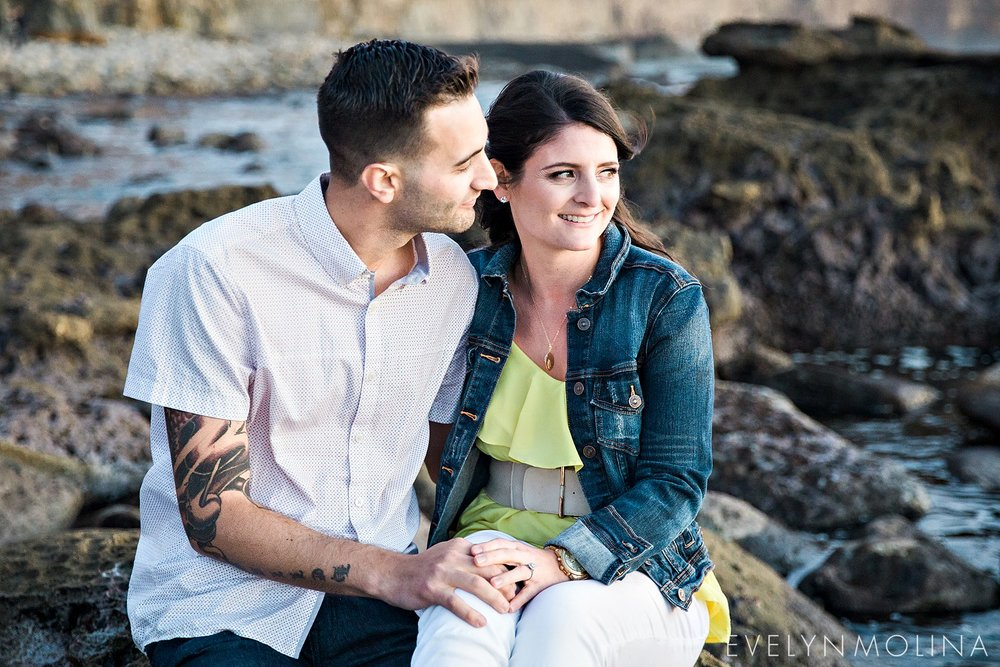 Sunset Cliffs Engagement Session - Carly and Alex - Evelyn Molina Photography_0030.jpg