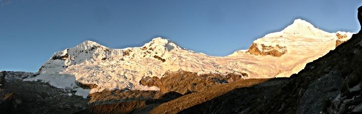 Glaciares de izquierda a derecha: Akilpo Norte, Sur y Rinconada.