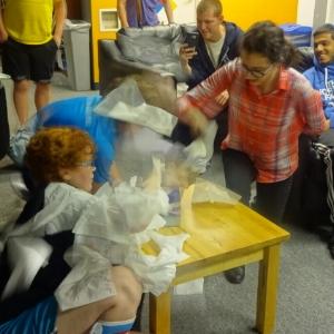 Delia & Sabrina - Fastest Hands Tissue Challenge