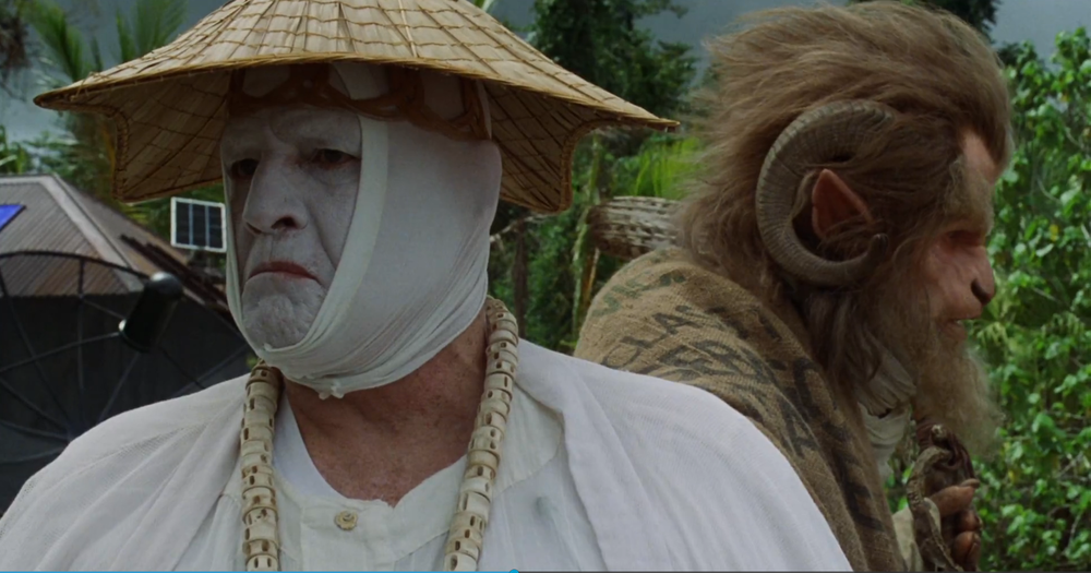 Marlon Brando (l) as Doctor Moreau and Ron Perlman (r) as the Lawgiver