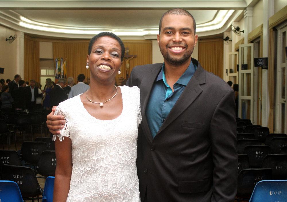 Andrey Mattos e sua mãe Sônia Regina (sogra da Thata)