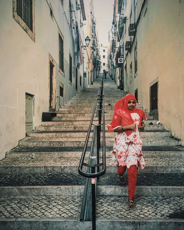 I didn't have my Sony camera ready when I saw her running towards me, but I managed to get a #quicksnap on my iphone #thatmoment #iphonephoto #streetoflisbon #lisbon