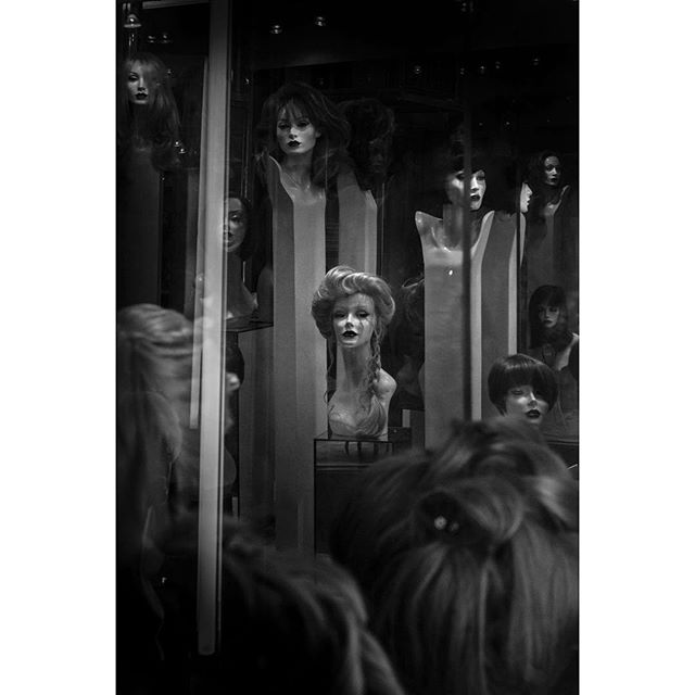 Look at me . . . #creepy #windowdisplay #wig #wigs #manikinhead #midtowneast #streetphotography #streetphotographyinternational #streetart #streetphoto_bw #streetphotographer #photography #artphotography #wednesdaypost #blackandwhitephoto #igers #igernyc #lookinggood #sony #sonypicture #sonyalpha #sonya7r #windowshopping #display #contrast #bw