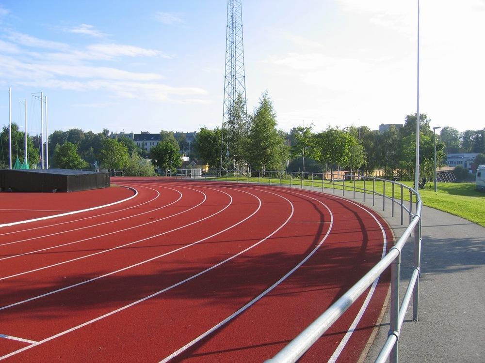 Dobbelt rør rekkverk Trondheim stadion (4).jpg