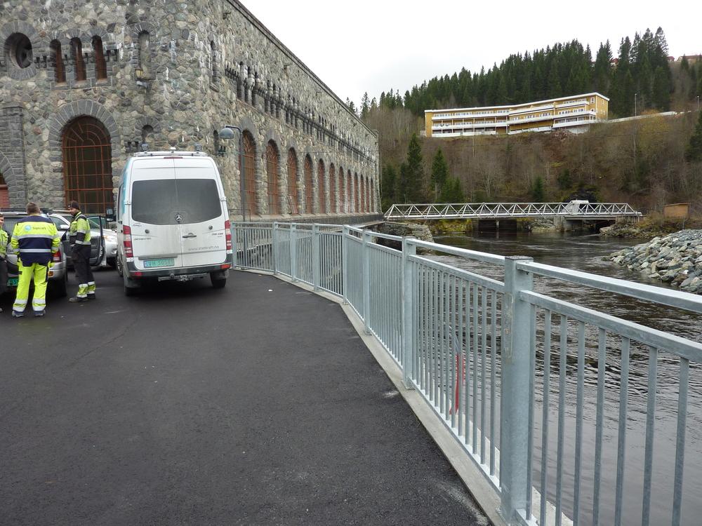 Palisade og mur Nedre Leirfoss (1).JPG