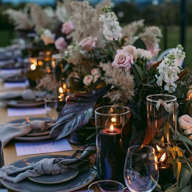 Alfresco dining doesn't get much better than this. 🍃🍷 RG @ivorytribe . . . . . #tablescapes #outdoordining #countrywedding #weddinginspo #bride #bridetobe #weddingstyling #weddinginspiration #bohobride #bohowedding