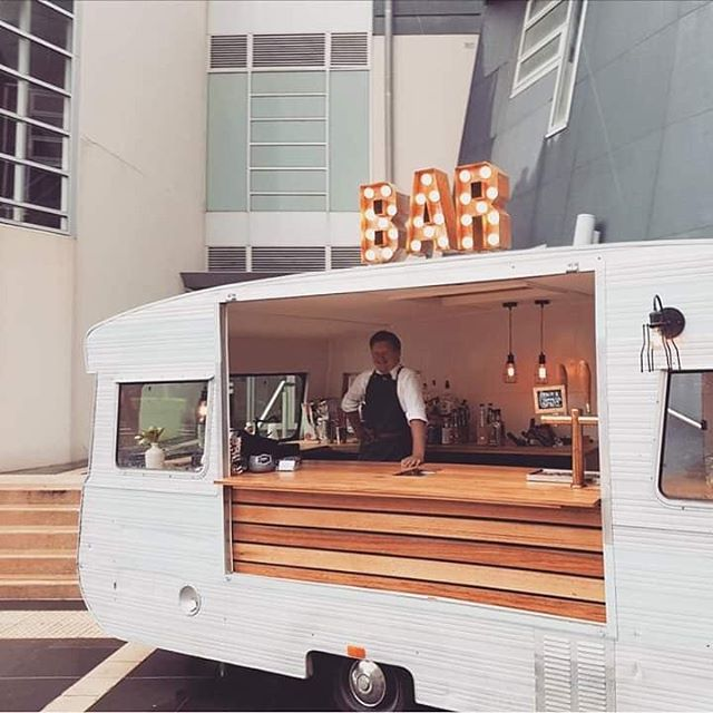Grab your friends & pop by our Caravan Bar for a sneaky Sunday drink or two by the Lake at this year's Springfest! 🍻🌷🥂🍾🍹🌞 ***THIS SUNDAY 25TH NOVEMBER*** Where 👉 Loreto Point, Lake Wendouree.  We'll have our awesome Champagne & Prosecco Icy Pops for you to enjoy, as well as cocktails, Sofi Spritz, beer, wine, basic spirits & soft drink.  Looking forward to seeing you all there! :) • • • #springfest #sundaysesh #sundaysippers #visitballarat #ballarat #creswick #daylesford #lakewendouree #caravanbar #mobilebar #victorianmobilebarservices #winetime #champagnepops #beer #cocktails #cocktailbar