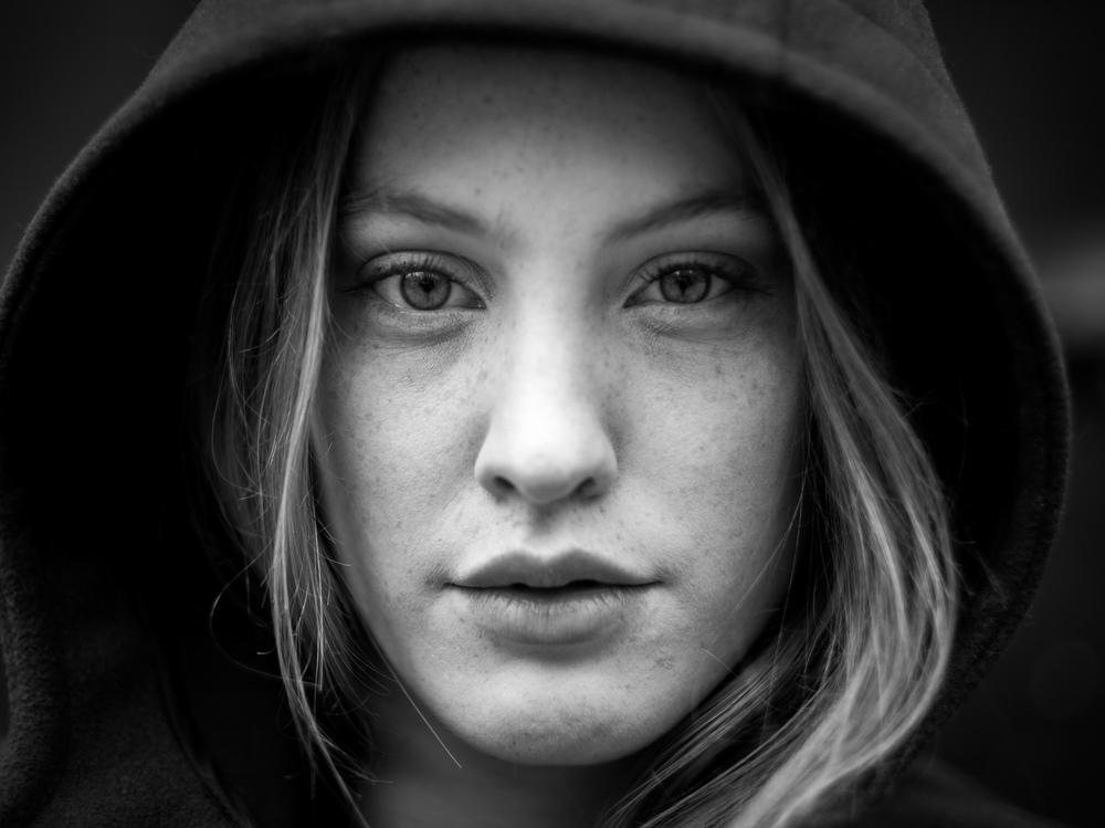 Black and white portrait. Model: Victoire