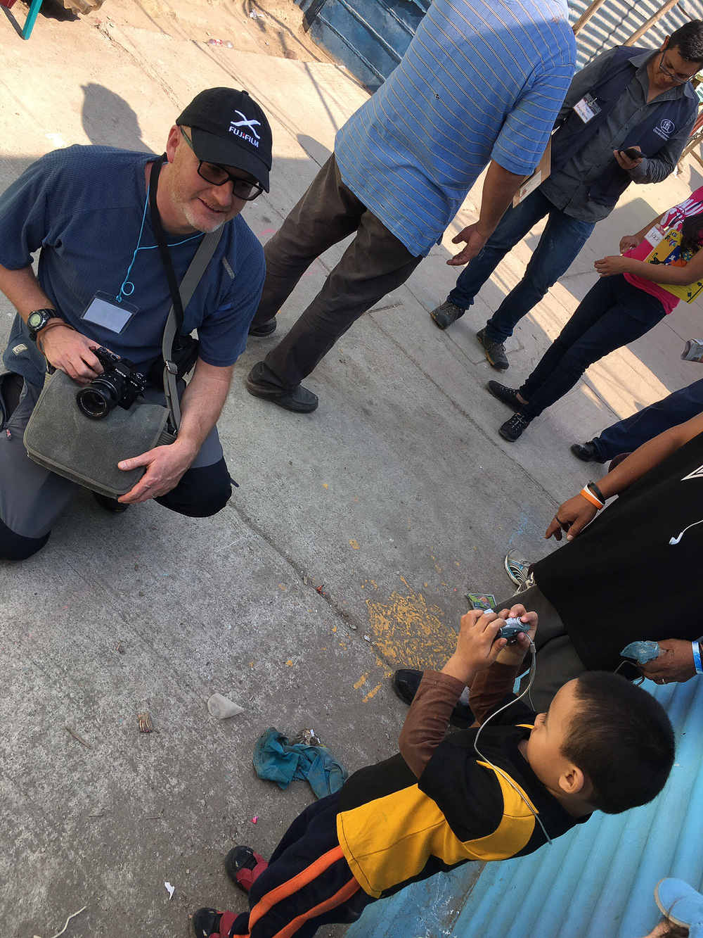 Being photographed, Guatemala City, March 2016