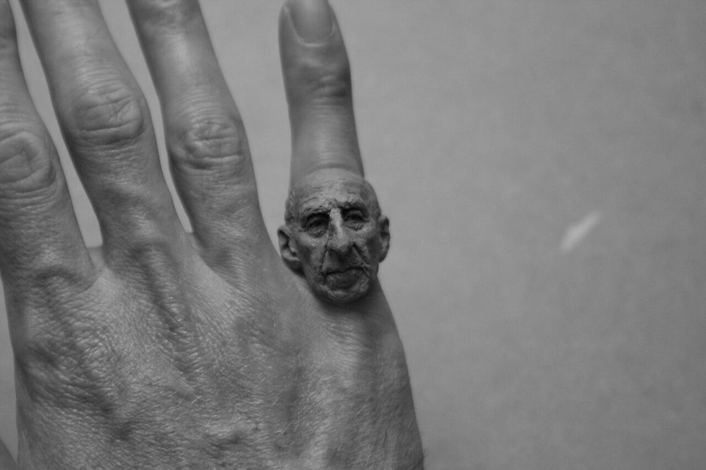 Mossadegh portrait sculpture