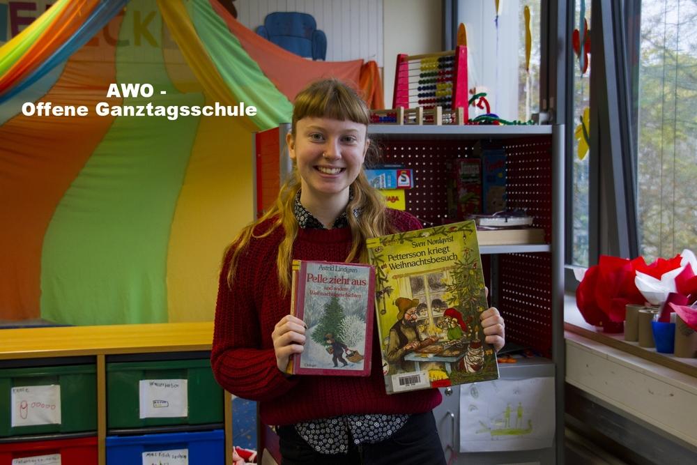 Emma och böcker.jpg