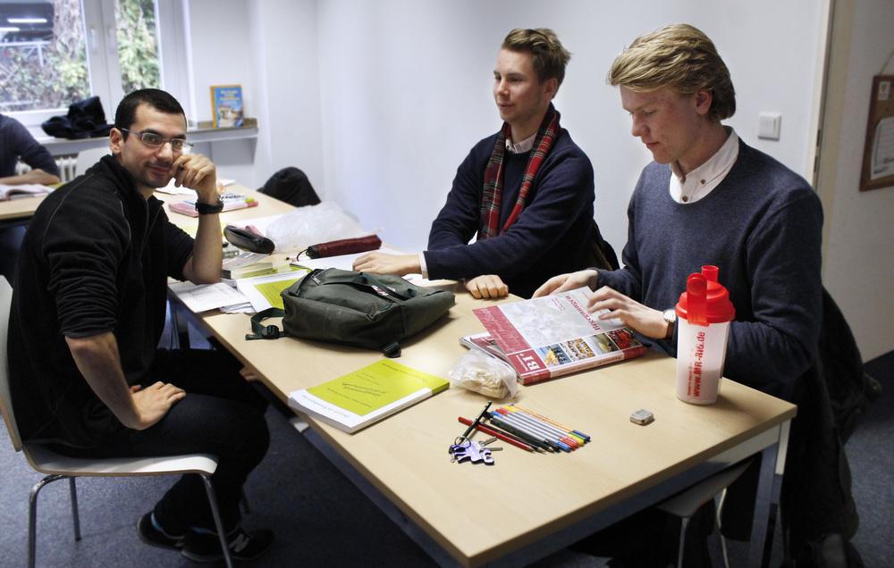 På fredagarna under språkpraktiken träffas Sina, Per och Balder.