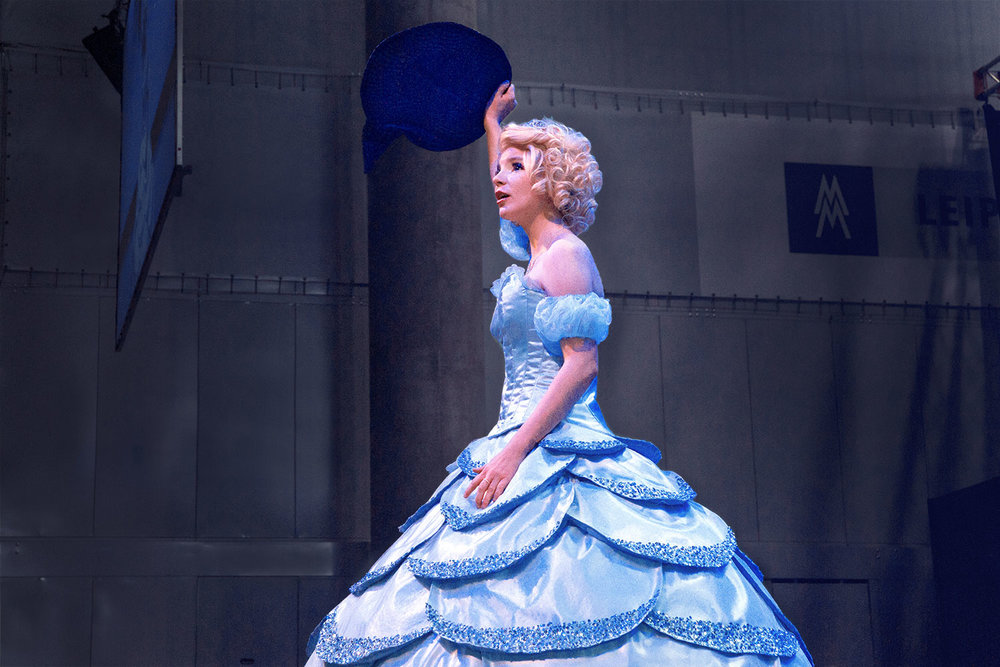 Glinda aus Wicked belegte den ersten Platz (Einzel) im Cosplay-Wettbewerb.