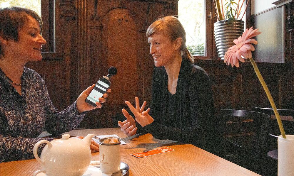 Susanne Wagner traf eine gut gelaunte Julia Köberlein im Schwabinger Wassermann.