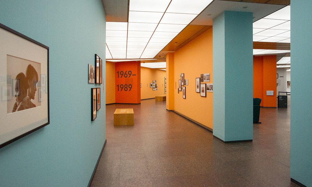 """""""Magnum Manifesto"""" ist thematisch und farblich in drei Teile gegliedert."""