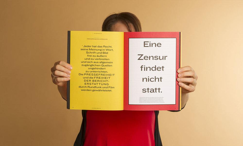Zentrale Aussagen plakativ inszeniert: Die Grundrechte sind das grafische Highlight des Magazins.