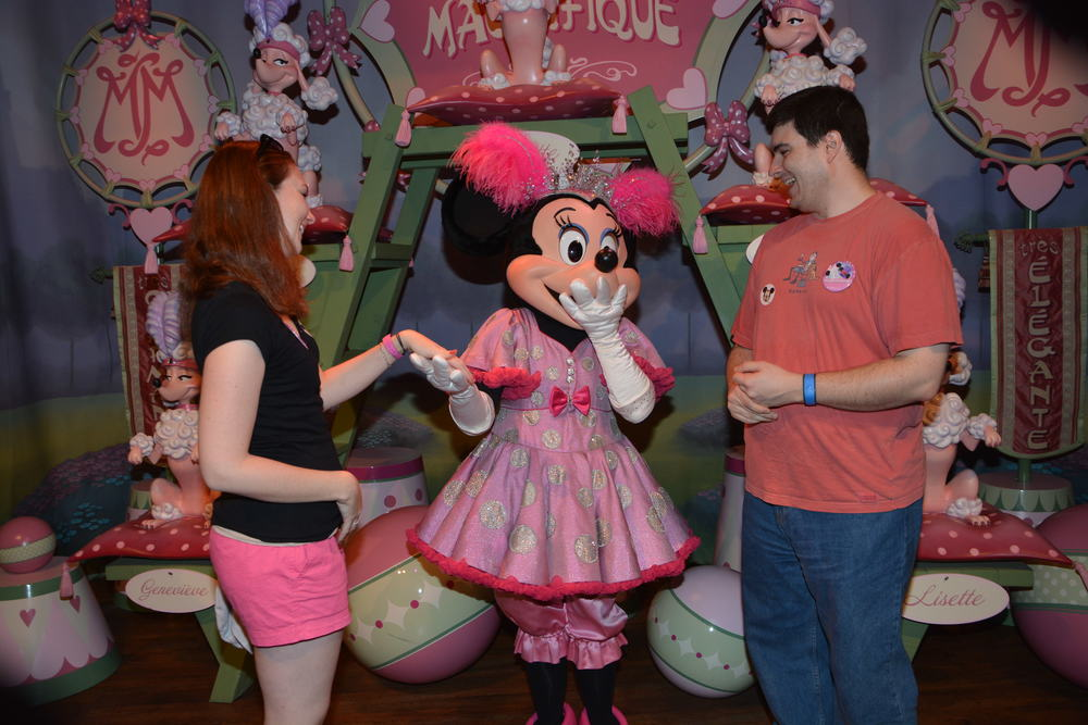 Minnie Mouse LOVES engagements rings!