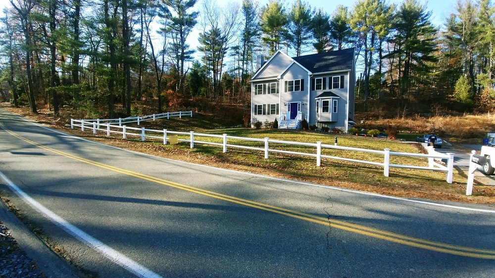 Split Rail white vinyl fence