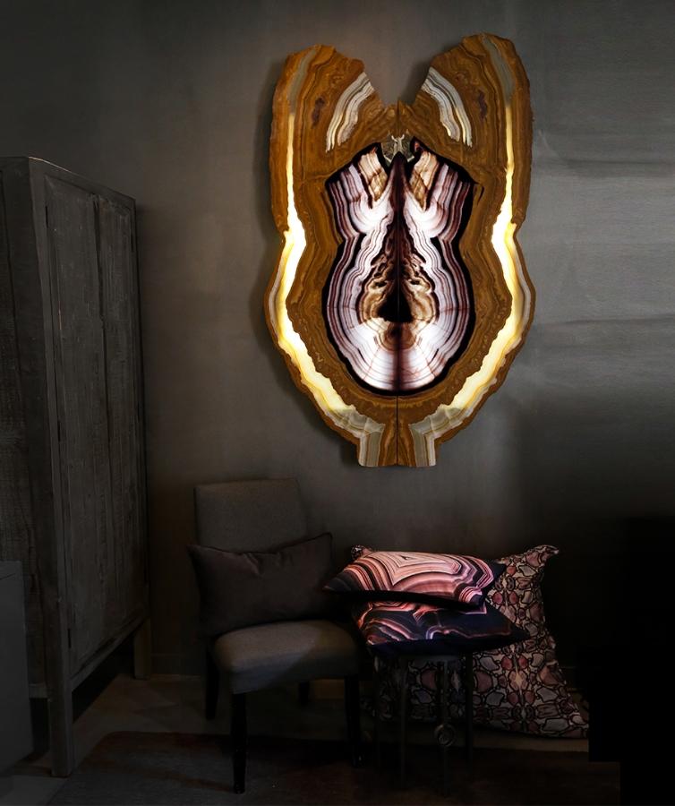 Wall Lumiere.jpg