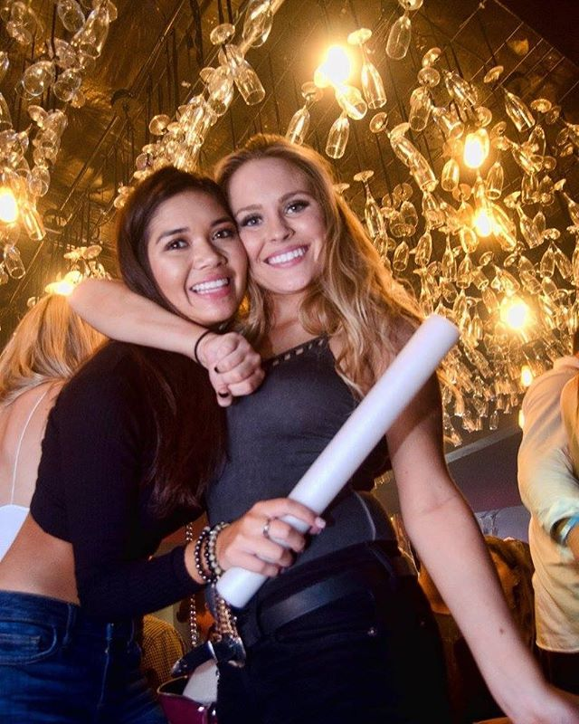 SMILE! It's almost the weekend! 🙌🏼🎉🍾 #smile #avenulounge #avenuloungedallas #dallasdrinks #dallasclubs #dallasnightlife #dallasclubscene #weekendvibes #luckoftheirish #gettinglucky