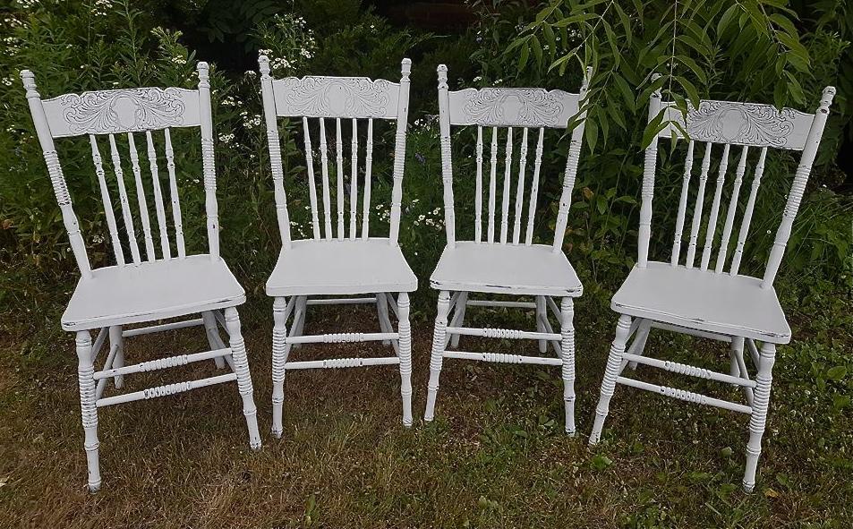 chairsw1.jpg