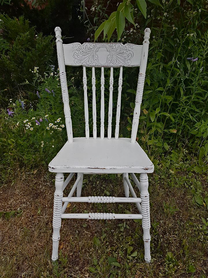 chairsw2.jpg