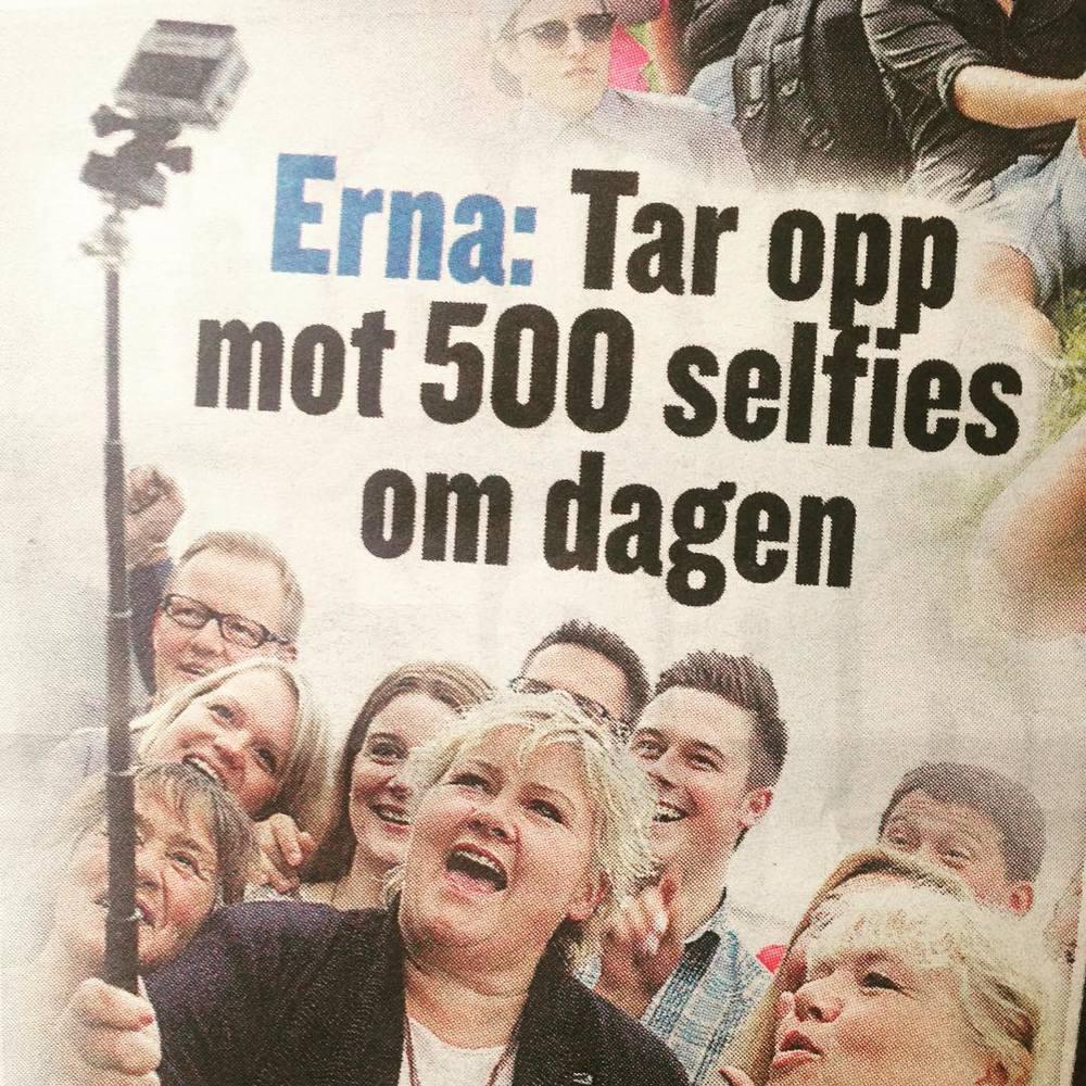 Erna tar selfie…igjen. #ernasolberg #selfie #kommunevalget #høyre (at Verdens Gang)
