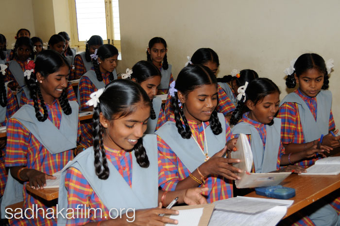 Students in class at the Smt. Ramamani Sundaraja Iyengar High School in Bellur Village.  Photo by Lindsey Clennell