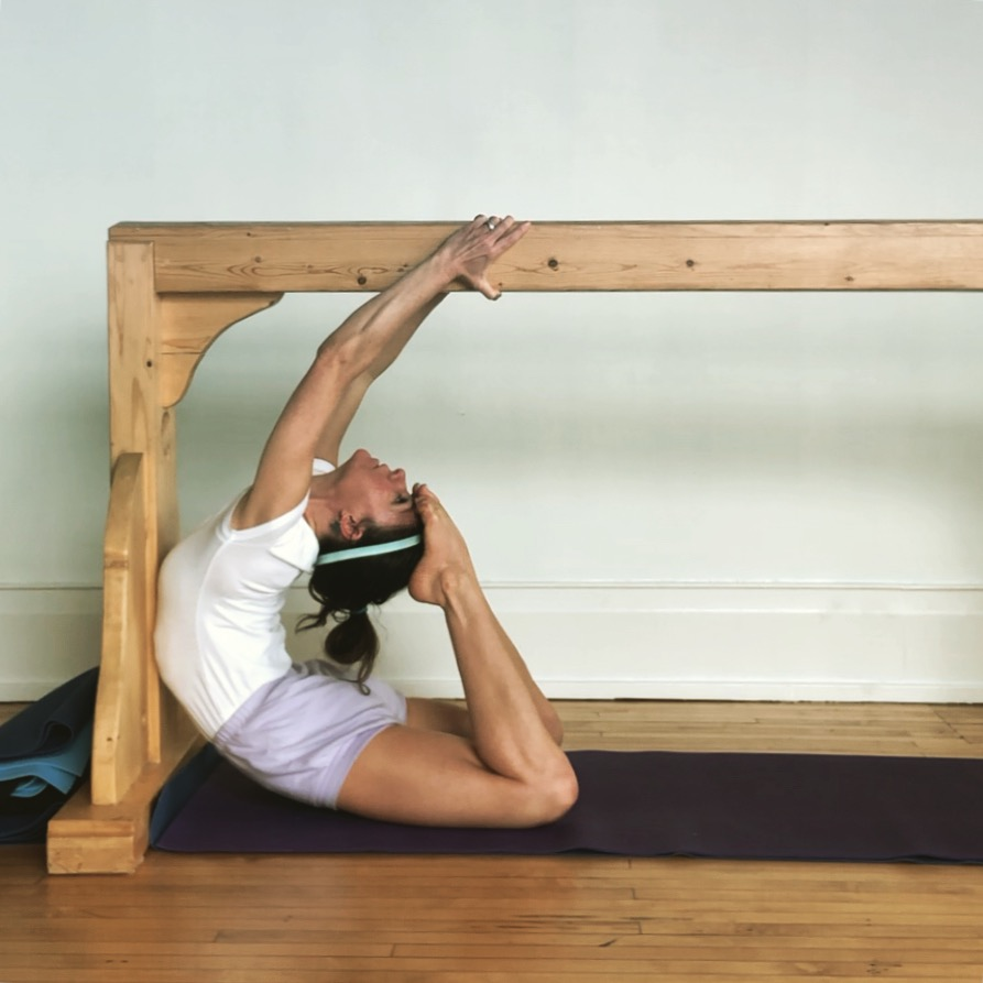 Variation of Rajakapotāsana~~king pigeon pose