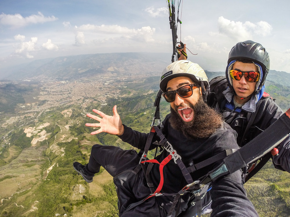 Paragliding in Medellin, Colombia shortly before @HeyHeyAndrew went Green :)