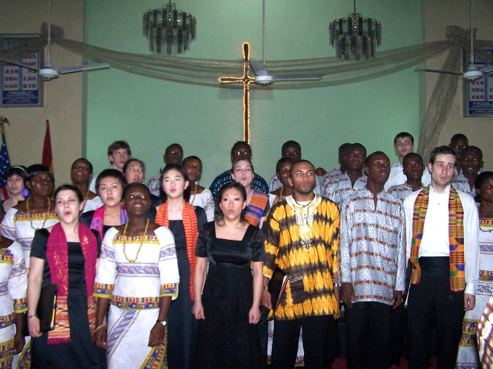 Chamber Singers of Haverford and Bryn Mawr with the Tema Youth Choir, Ghana 2007