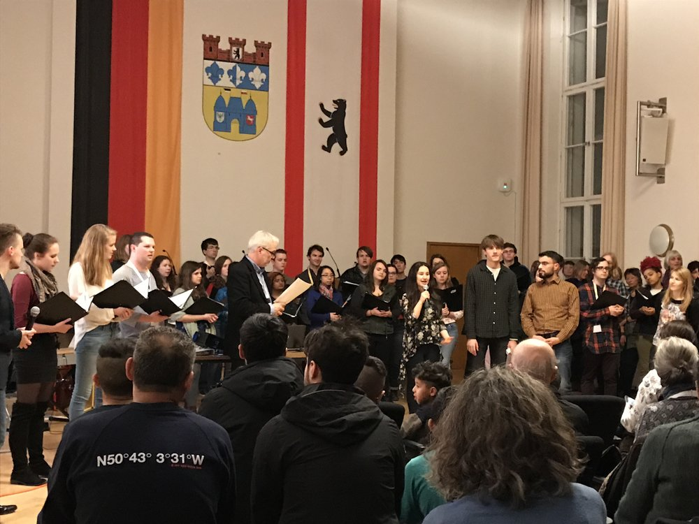Introductions given in German by Clara Swartzentruber BMC'20, Anna Swartzentruber BMC'18, and Adam Adorney HC'18 and translated by Begegnungschor members into Arabic, Farsi, and Kurdish.