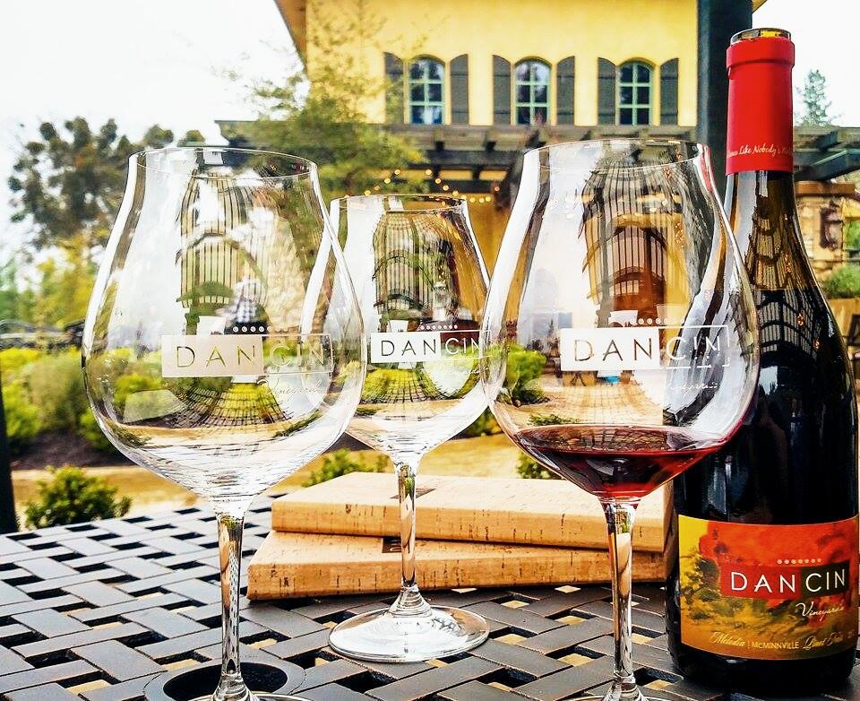 Dancin Vineyard with wine glasses