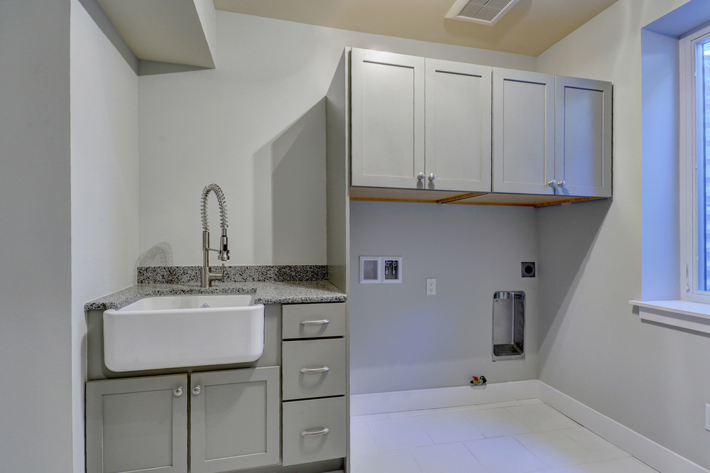 401_marion_st_MLS_HID899030_ROOMlaundryroomlowerlevel.jpg