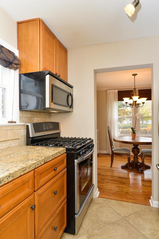 3115 E 37th Ave Denver CO-large-010-11-Kitchen-668x1000-72dpi.jpg