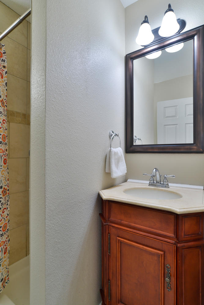 3115 E 37th Ave Denver CO-large-015-25-Master Bath-668x1000-72dpi.jpg