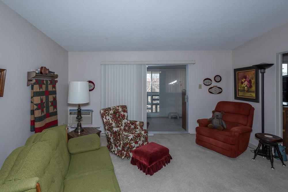 580 S Clinton St D Denver CO-large-005-11-Living Room-1498x1000-72dpi.jpg