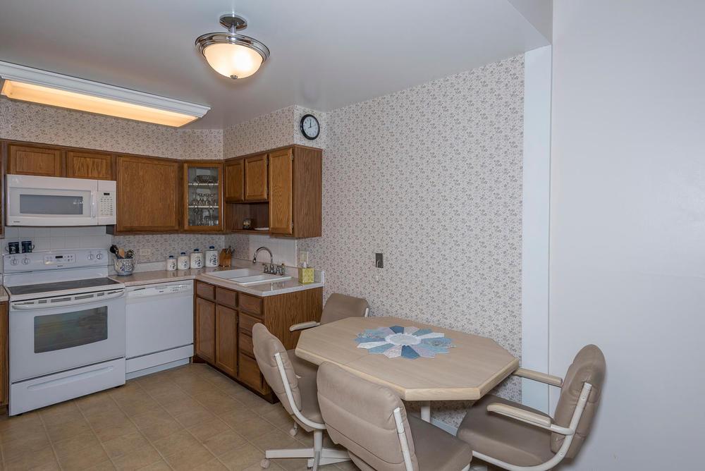 580 S Clinton St D Denver CO-large-006-10-Dining RoomKitchen-1498x1000-72dpi.jpg
