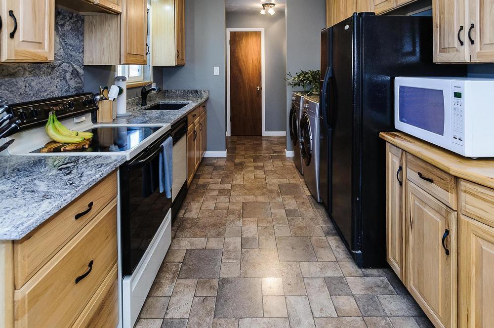 364 Xanadu St Aurora CO 80012-large-014-8-Kitchen-1500x997-72dpi.jpg