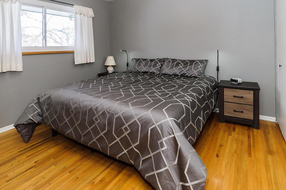 364 Xanadu St Aurora CO 80012-large-016-13-Master Bedroom-1500x997-72dpi.jpg