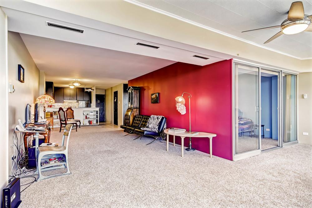 800 Washington St Unit 706-print-006-4-Living Room-2700x1800-300dpi.jpg