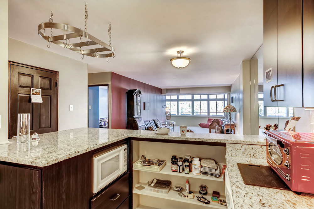 800 Washington St Unit 706-print-012-21-Kitchen-2700x1800-300dpi.jpg