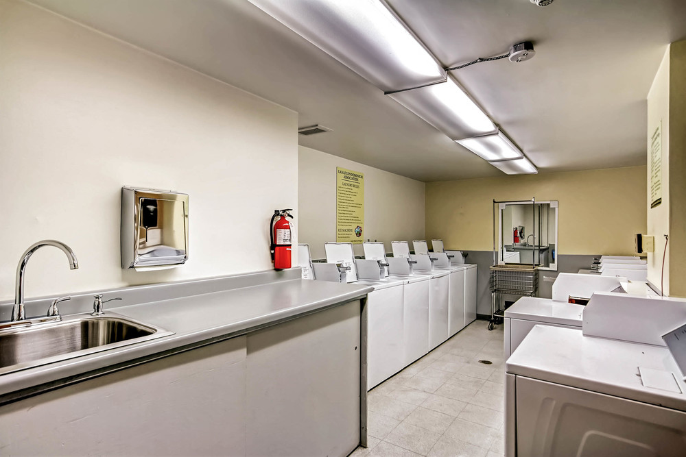 800 Washington St Unit 706-print-018-17-Laundry Room-2700x1800-300dpi.jpg