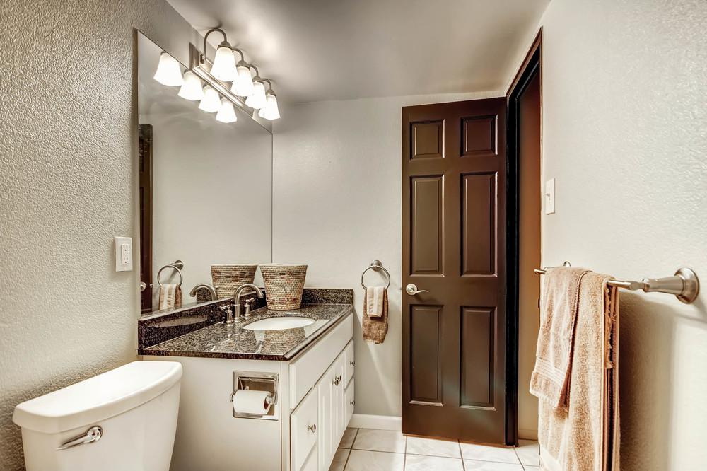 800 Washington St Unit 706-print-017-22-Master Bathroom-2700x1799-300dpi.jpg