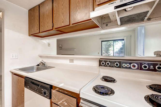 3083 S Ursula Cir Unit 102-small-009-9-Kitchen-666x444-72dpi.jpg