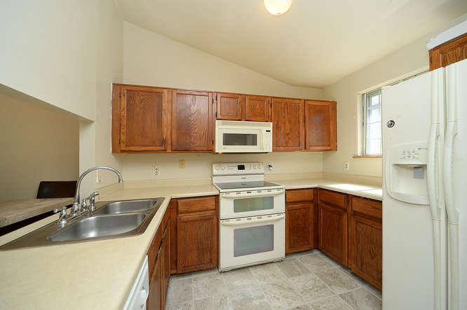 19023 E 16th Ave Aurora CO-small-009-20-Kitchen-666x443-72dpi.jpg